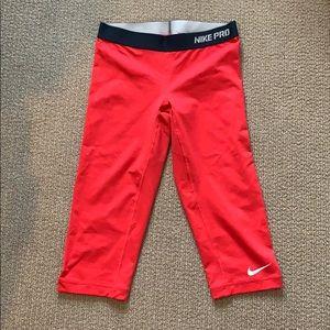 👟 Nike Pro Res Crop Leggings
